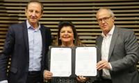 Imagem sobre a matéria: No ambiente empresarial, debate sobre a influência das mulheres no mundo dos negócios